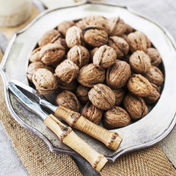 Walnuts for incredible hair